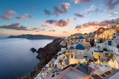 世界一ロマンチックなエーゲ海に浮かぶ宝石島『サントリーニ島』