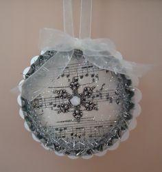 pintereschristmas crafts   bottle cap Christmas ornament   christmas crafts-gifts