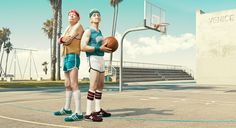 In his series 'the golden years', Los Angeles-based photographer Dean Bradshaw has captured hilarious scenes of elderly men and women in the midst of super sport, wrestling, lifting weights and playing an intense game of basketball. Basketball Fotografie, Dean, Sport Basketball, Basketball Shoes, Basketball Outfits, Basketball Skills, Basketball Players, Basketball Court, Neon Shorts