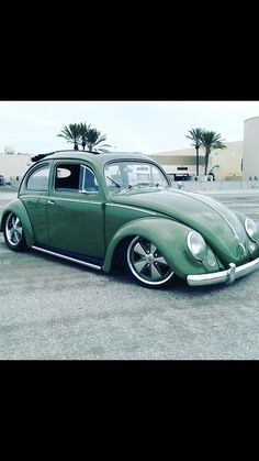 Old Bug, Hot Vw, Bug Car, Vw Cars, Car Wheels, Vw Beetles, Cool Cars, Antique Cars, Corvette