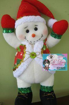 Navidas en fieltro Felt Snowman, Snowman Crafts, Christmas Projects, Felt Crafts, Christmas Crafts, Snowmen, Christmas Makes, Felt Christmas, Christmas Snowman