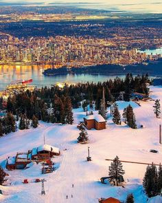 What do you prefer, the city life or the mountains? Move to Vancouver and you can have both 😍Here's the sunset view from Grouse Mountain! Vancouver Travel, Vancouver City, Vancouver British Columbia, North Vancouver, Visit Vancouver, Nice, Backpacking Canada, Canada Travel, Wanderlust