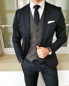 Men's fashion styles classic - herrenmode stile klassisch - styles de mode pour hommes classiques - estilos de moda masculina clásicos - men's fashion styles casual, men's fashion styles Source by janetszolk casual outfits Mode Masculine, Moda Formal, Mode Costume, How To Look Handsome, Herren Outfit, Groom Attire, Groom Outfit, Groomsmen Suits, Fashion Mode