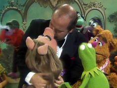Dom DeLuise and Piggy Jim Henson, Kermit, Comedians, Puppet, Connection, Doll