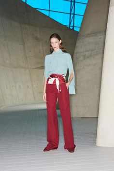 See the complete Victoria Beckham Pre-Fall 2018 collection.