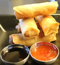 IMG_3405 Food N, Food And Drink, Vietnamese Spring Rolls, Norwegian Food, Norwegian Recipes, Asian Recipes, Ethnic Recipes, Tapas, Scandinavian