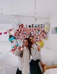 VSCO is a creative channel. Cute Birthday Pictures, Cute Friend Pictures, Best Friend Photos, Best Friend Goals, Birthday Photos, Birthday Goals, Birthday Party For Teens, 14th Birthday, Girl Birthday