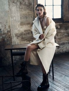 Ideas For Jewerly Editorial Photography Vogue Australia Fashion Poses, Fashion Shoot, Editorial Fashion, Magazine Editorial, Elle Magazine, Summer Editorial, Fashion Fashion, Fashion Ideas, Fashion Trends