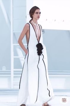 Black & White Maxi Dress / Long Dress with Deep V-Neck Cut. Spring Summer 2021 Ready-to-Wear Collection. Runway Show by Chanel.