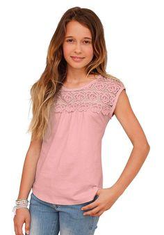 Produkttyp , T-Shirt, |Qualitätshinweise , Hautfreundlich Schadstoffgeprüft, |Materialzusammensetzung , Obermaterial: 100% Baumwolle. Spitze: 100% Baumwolle, |Material , Jersey, |Farbe , Apricot, |Passform , ausgestellte Form, |Schnittform/Länge , hüftlang, |Besondere Merkmale , Passe vorn und hinten ist aus Spitze, |Ausschnitt , Rundhals, |Ärmelstil , ohne, |Armabschluss , Kante abgesteppt, |S...