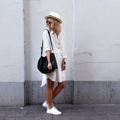 K e l l y . L o v e . . . #london #love #damoy #minimalistic #lifestyle #kellylove #fw15 www.damoyantwerp.com