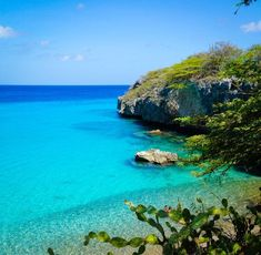 3 of the best beaches in Curacao island bring Caribbean beauty to your ABC islands vacation travel. Planning a resort trip or getaway? See beautiful photos! Navassa Island, Island Tour, Desert Island, Islands, Vacation Trips, Vacation Spots, Vacations, Caribbean Culture, Beautiful Sunrise