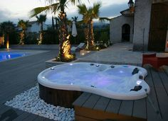 40 Lovely Jaccuzzis Ideas - When people refer to a hot tub or a spa, they often think of the word Jacuzzi. The terms are often used interchangeably but Jacuzzi is actually a bran. Outdoor Bathtub, Jacuzzi Bathtub, Hot Tub Backyard, Walk In Bathtub, Outdoor Spa, Backyard Patio, Bathtub Dream, Black Bathtub, Bathtub Shower