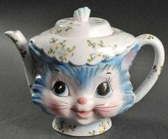 Vintage Lefton Miss Priss Blue Cat Teapot, circa Teapots Unique, Vintage Teapots, Chesire Cat, Teapots And Cups, My Cup Of Tea, Chocolate Pots, Teapot Cookies, Tea Time, Tea Party