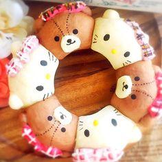 Hello Kitty & bear pull apart bread by (@aru0819)