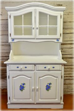 White Vintage Dining Room Cabinet With Romantic Roses  Vintage Inspiration White Dining Room Cabinet Decorating Design