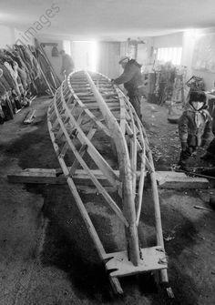 Production of a canoe, Eskimo fishing vessel, 1986