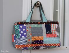 Lea & Lars: Patchwork Duffle Bag - made using Noodlehead's free pattern http://www.robertkaufman.com/quilting/quilts_patterns/Cargo_Duffle/