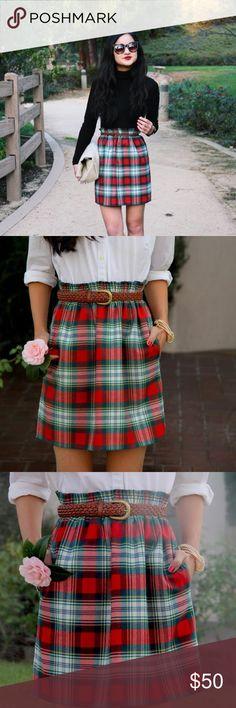 {j. crew} • plaid wool blend city mini skirt J. Crew Red and Green Plaid Wool Blend Skirt ••• Wool blend material (not itchy)  Like new Condition Size XXS 100% Authentic ~~~ J. Crew Skirts Mini