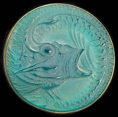 1912 'Poissons' Brooch with foil backing Lalique Jewelry, Glass Jewelry, Jewelry Art, Vintage Jewelry, Jewelry Design, Jewelry Accessories, Bijoux Art Nouveau, Art Nouveau Jewelry, Art Deco