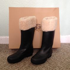 UGG Rain Boots Black UGG rain boots. Worn a few times. In excellent condition and comes with box. 🚫NO TRADES. Give me a reasonable offer! Shoes Winter & Rain Boots