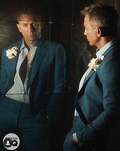 Craig Bond, Daniel Craig James Bond, James Bond Characters, James Bond Movies, Daniel Stevens, Estilo James Bond, Daniel Graig, Hollywood Men, Celebrity Dads