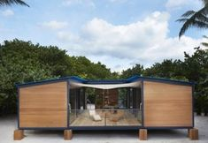 Tiny-Beach-House-by-Louis-Vuitton-003