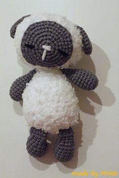 Amigurumi Sleeping Sheep : 1000+ images about Amigurumi sheep and lambs on Pinterest ...