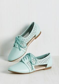 When it's time to hit the books, lace up these mint flats by Restricted and take the library by storm! Sporting square-shaped perforations and cutout sides, this modern take on classic kicks is perfect for turning a study sesh into a stylish event!