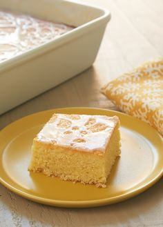 Lemon Pound Cake Bar