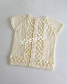 Fotoğraf açıklaması yok. Baby Knitting Patterns, Knitting Stitches, Baby Vest, Knit Vest, Lovely Dresses, Teachers Pet, Kids Wear, Winter Outfits, Sweaters