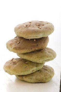 Focaccine al farro con spinaci e pinoli - Tutte le ricette dalla A alla Z - Cucina Naturale - Ricette, Menu, Diete