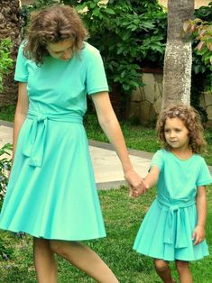 Swing mother daughter matching dresses in amazing mint color. It is very comfortable, thin, easy to wear summer mother daughter outfits. Mommy And Me Dresses, Mother Daughter Dresses Matching, Mother Daughter Fashion, Mommy And Me Outfits, Mom Dress, Summer Outfits Women, Toddler Girl Outfits, Kids Outfits, Girls Dresses