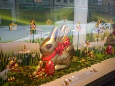 Lindt Giant Gold Easter Bunnies - Chocolate - 28March2013 - Munich running session