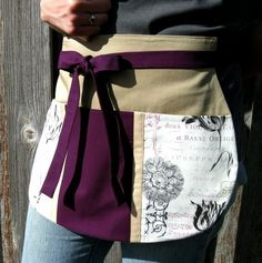 Plum and Parchment Utility Half Apron for Music Lovers, Crafters and Music… Sewing Hacks, Sewing Crafts, Sewing Projects, Costura Diy, Gardening Apron, Aprons Vintage, Retro Apron, Cute Aprons, Great Teacher Gifts