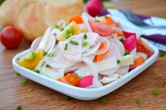 Ein leichtes und sommerliches Gericht ist eine Essigwurst, die ganz nach belieben zusammen gestellt werden kann. Das Salat Rezept für Jedermann.