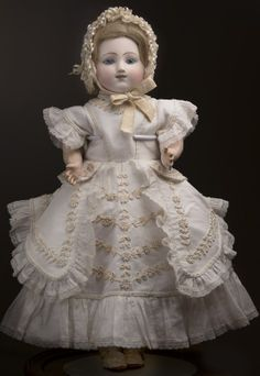 Exquisite! A beautiful early French antique Bebe by Jules Steiner