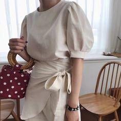puff sleeve solid color dress 2100▼サイズS 丈87 バスト98 袖丈26M 丈88 バスト102 袖丈26画像を参考にお好きなカラーをお選び下さい☆【発着期間】:発送完了後、10日〜3週間でお届けします。Shopの注意事項をよく読んでから、ご購入をお願い致します。キーワード:韓国ファッション、オルチャンファッション、プチプラファッション、レディースファッション、夏物、夏服、パフスリーブワンピース