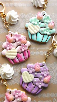 ☆Sweets Suzu☆ Polymer clay cupcake hearts strawberry flowers daisies kawaii deco decoden decora