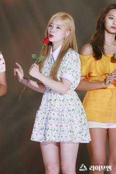 Dahyun-Twice 180801 Korea Music Festival Fashion Idol, Kpop Fashion, Korean Fashion, South Korean Girls, Korean Girl Groups, Twice Jyp, Twice Dahyun, Stage Outfits, Nayeon