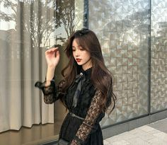 Image may contain: 1 person, standing and indoor Korean Beauty Girls, Pretty Korean Girls, Cute Korean Girl, Pretty Asian, Asian Beauty, Asian Girl, Ulzzang Fashion, Korean Fashion, Ulzzang Korean Girl