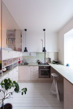 Karin Matz leaves unfinished plaster walls in Stockholm apartment Interior Exterior, Kitchen Interior, Interior Design, Stockholm Apartment, Home Decoracion, Apartment Renovation, Compact Living, Tiny Spaces, Cuisines Design