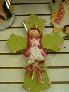 Virgen de guadalupe con cruz de madera