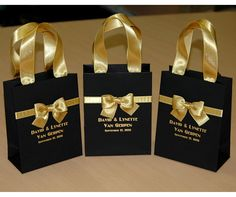 25 Chic wedding gift bags with satin ribbon handles, bow and your names Personalized Black & Gold Gatsby theme wedding favors for guests