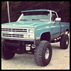 Somebody get me this truck, please!