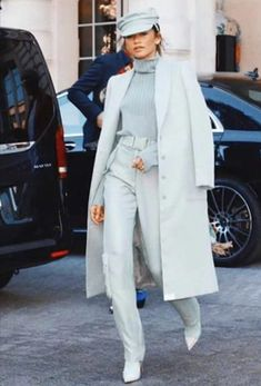 Paris Fashion Week: Zendaya In Sally La Pointe ! Paris Fashion Week: Zendaya In Sally La Pointe ! Style Outfits, Fashion Outfits, Womens Fashion, Fashion Trends, Zendaya Fashion, Trendy Outfits, Fashion News, Fashion Week Paris, Moda Zendaya