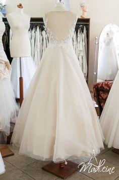 suknia ślubna w kolorze szampana w Madleine w Poznaniu