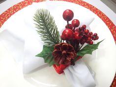 Christmas Deco, Christmas Home, Christmas Crafts, Xmas, Christmas Tablescapes, Wedding Table, Napkin Rings, Flower Arrangements, Diy Home Decor