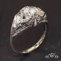 14KT WHITE GOLD (X-1) ANTIQUE REPLICA ENGAGEMENT RING