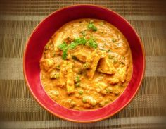 Paneer(cottage cheese) and peas in a delicious onion tomato gravy Veg Recipes, Indian Food Recipes, Ethnic Recipes, Konkani Recipes, My Favorite Food, Favorite Recipes, Tomato Gravy, Cottage Cheese, Curry
